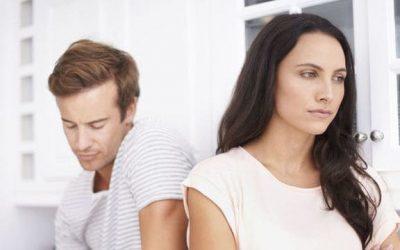 Mi ex me ignora pero me mira