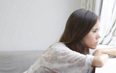 ¿Qué piensa un hombre cuando una mujer deja de buscarlo?